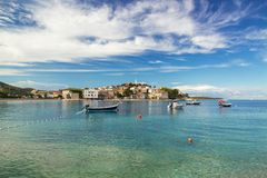 Mar adriático - agua azul transparente hermosa, Croacia Fotos de archivo