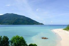 Mar azul en la isla del lipe Fotografía de archivo