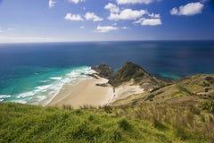 Mar azul no cabo Reinga Fotografia de Stock