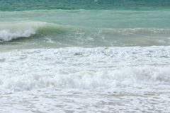 Mar azul - praia Imagens de Stock Royalty Free