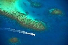 Mar azul profundo imagenes de archivo