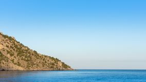 Mar azul sereno quieto fotografia de stock
