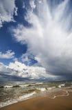 Mar Baltico e cielo nuvoloso Immagine Stock Libera da Diritti
