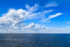 Mar blanco del cielo Foto de archivo libre de regalías