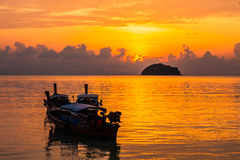 Mar bonito com a luz 6 da manhã Foto de Stock