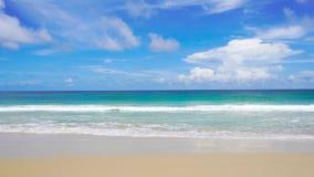 Mar bonito da praia de Phuket Tail?ndia da costa oeste no ver?o Sun 4K, videoclip de UHD filme
