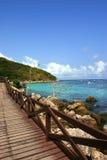 Mar bonito e calmo com ponte Imagem de Stock