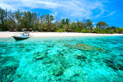 Mar bonito em Gili Meno, Indonésia. Fotos de Stock