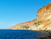 Mar, céu e montanhas Foto de Stock Royalty Free