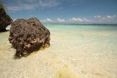Mar claro hermoso Fotos de archivo libres de regalías