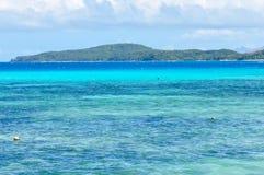 Mar colorido na ilha de Nacula em Fiji Foto de Stock Royalty Free