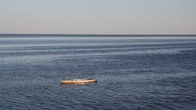 Mar com fundo do barco Imagens de Stock