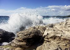Mar com ondas Fotos de Stock Royalty Free