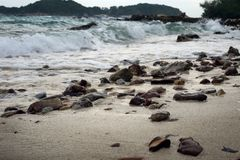 Mar com pedras Foto de Stock Royalty Free