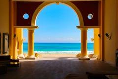Mar das caraíbas, praia ensolarada Paraiso, Riviera maia imagem de stock royalty free