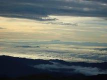 Mar das nuvens Imagem de Stock Royalty Free