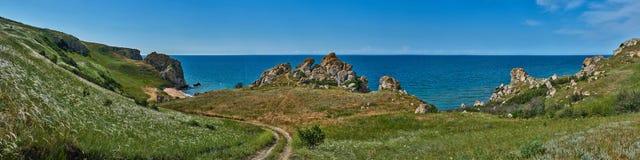 Mar de Azov, Crimeia, a praia de Generalov imagem de stock royalty free