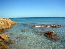 Mar de Cala Liberotto: ¡Paraíso! Foto de archivo