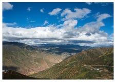 Mar de la nube de la alta montaña imagenes de archivo