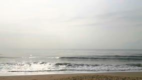 Mar de la playa, arena y día de verano tropicales almacen de metraje de vídeo