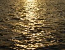 Mar de la puesta del sol imagenes de archivo
