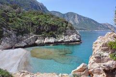 Mar de la turquesa en la costa de Samos, Grecia Fotografía de archivo libre de regalías