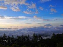 Mar de nubes y del Mt fuji imágenes de archivo libres de regalías