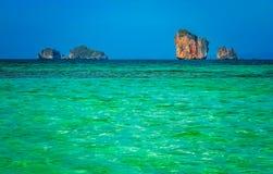 Mar de Torquise en la costa de Tailandia Imagen de archivo libre de regalías