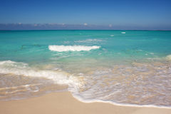 Mar de turquesa Fotos de Stock