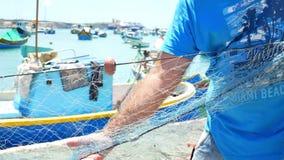 Mar del barco del pescador almacen de metraje de vídeo