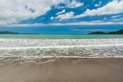 Mar del Caribe en un centro turístico tropical fotografía de archivo