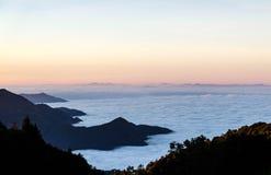 Mar do nascer do sol da névoa em Chaingmai em Tailândia Imagens de Stock Royalty Free