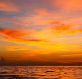 mar do Sul da China da baía de tao do kho de Tailândia do mar do nascer do sol Foto de Stock