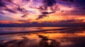 Mar dramático de la puesta del sol Imagen de archivo