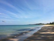 Mar e areia imagens de stock