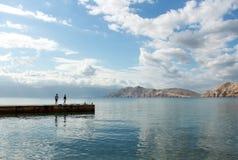 Mar e céu azuis Fotos de Stock Royalty Free