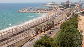 Mar e cidade na costa Tarragona, Espanha vídeos de arquivo