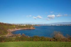 Mar e costa da praia de Devon para Torquay Inglaterra Reino Unido da angra de Salturn Fotos de Stock