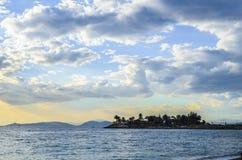 Mar e ilha Imagem de Stock Royalty Free