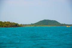 Mar e ilhas em Camboja Foto de Stock