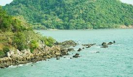 Mar e montanha Imagens de Stock Royalty Free