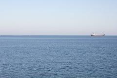 Mar e navio Fotografia de Stock