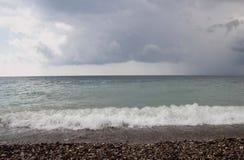 Mar e o céu antes da tempestade Foto de Stock Royalty Free