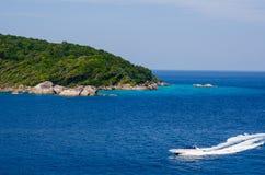 Mar e oceano bonitos em Tailândia imagem de stock
