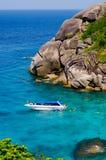 Mar e oceano bonitos em Tailândia imagens de stock royalty free