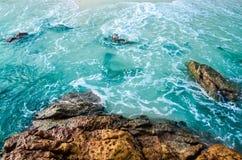 Mar e pedra Imagens de Stock