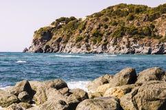 Mar e penhasco Foto de Stock