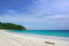 Mar e praia do céu Foto de Stock Royalty Free