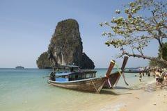 Mar e praia, Krabi, Tailândia Imagens de Stock Royalty Free