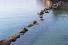 Mar e rocha Imagens de Stock